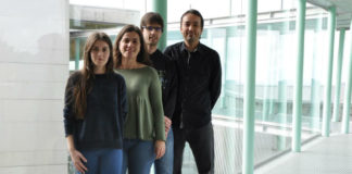 Silvia García, Milagros Fernández, Jonathan Juncal e Enrique Costa, investigadores de AtlantTIC. Foto: Duvi.