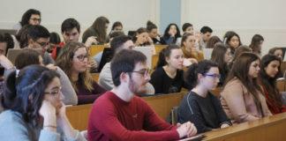 """Acto de presentación do V premio """"Contar a Ciencia-la Caixa"""" na Facultade de Comunicación de Santiago. Foto: Anxo Iglesias."""