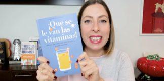 Deborah García Bello, co seu novo libro. Imaxe: Youtube.