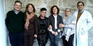 Alumnos do ciclo de maiores da USC: Pepe Cambeiro, María López, Fina Ramallal, Margarita Fdez Marqués e Mª Pilar Fraga, xunto ao profesor Fernando Ponte.