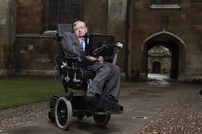 Stephen Hawking e Thomas Hertog traballaron na teoría antes da morte do físico británico.