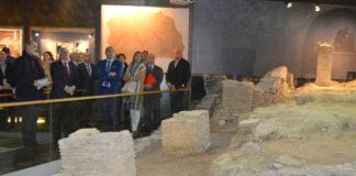 Autoridades na inauguración da Domus do Mitreo. Foto: USC.