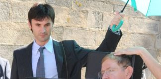 Jorge Mira, xunto a Stephen Hawking na súa visita a Galicia en 2008. Imaxe cedida por Jorge Mira.