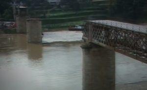 Imaxe da ponte Hintze-Ribeiro o día despois do accidente. Imaxe: RTP1.