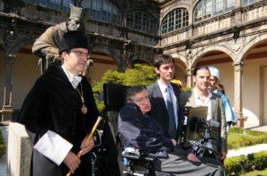 O entón reitor da USC, Senén Barro, Hawking, Mira e Edelstein, na primeira das visitas do científico a Galicia. Imaxe cedida por Jorge Mira.