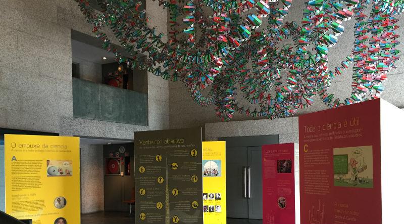 Paneis da exposición 'Mocidade, ciencia, futuro' na Domus da Coruña. Foto: mc2.