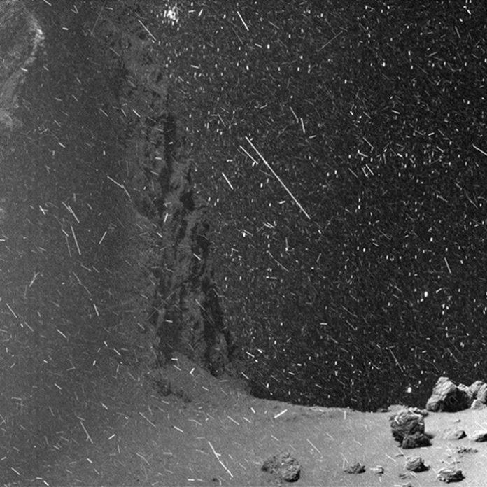 Créditos da imaxe: ESA, Rosetta, MPS, OSIRIS; UPD/LAM/IAA/SSO/INTA/UPM/DASP/IDA – Animación GIF: Jacint Roger Pérez