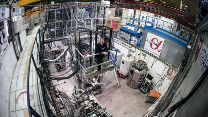 Jeffrey Hangst, un dos cientificos que participou na medición da antimateria. Imaxe: CERN.