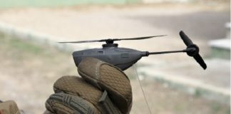 O Black Hornet ten unha autonomía de voo de 25 minutos. Fonte: hispaviacion.es.