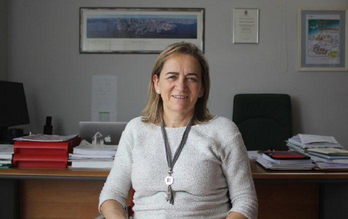 María José Alonso, catedrática da USC, investiga como a nanotecnoloxía pode axudar a crear fármacos máis efectivos. Foto: Paula Martínez Graña.