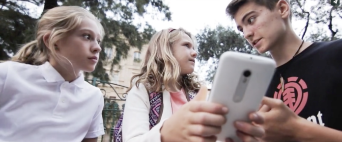 A través un videoxogo de teléfono móbil moitas persoas contribuiron á investigación científica