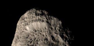 Créditos da imaxe e licenza: NASA/JPL/SSI; Composición: Gordan Ugarkovic