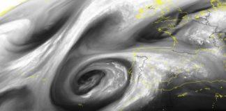 Imaxe do vapor de auga tomada desde satélite, que amosa a DANA ao oeste da península Ibérica. Fonte: MeteoGalicia.
