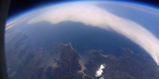 Perfil da costa galega desde a estratosfera nas imaxes captadas pola Marumasat 3. No congreso presentaranse máis datos da sonda. Imaxes: NOSA.
