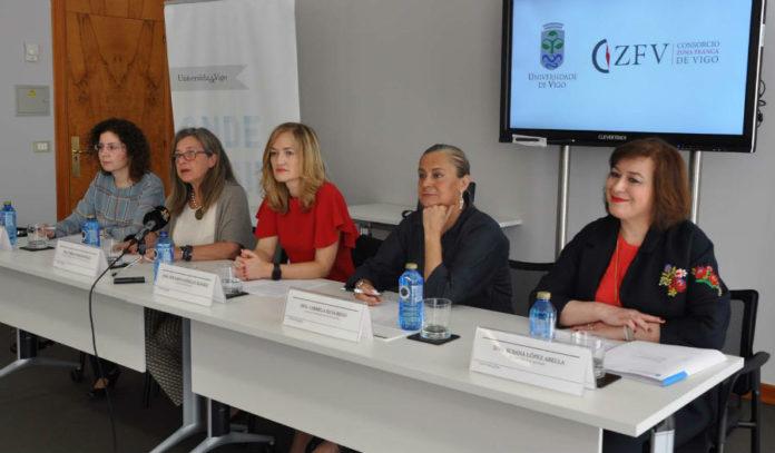 Edita de Lorenzo, Teresa Pedrosa, Dolores González, Carmela Silva e Susana López. Foto: Duvi.