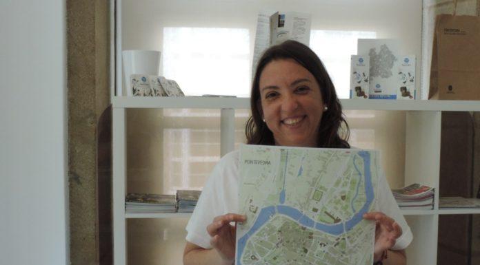 Marta Pérez, encargada de informar aos turistas.