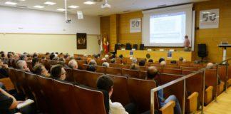 Unha das sesións da reunión internacional sobre álxebra que se celebra en Santiago. Foto: USC.