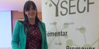 A enxeñeira Cecilia Alonso recolleu un dos premios da Sociedade Española de Ciencias Forestais. Imaxe: USC.