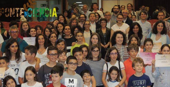 Foto de familia dos premiados en Pontenciencia 2018.