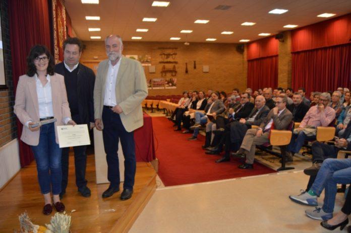 Estela Paradelo, creadora de 'Galterrae', recibe o premio 'Rafael Crecente'. Foto: USC.