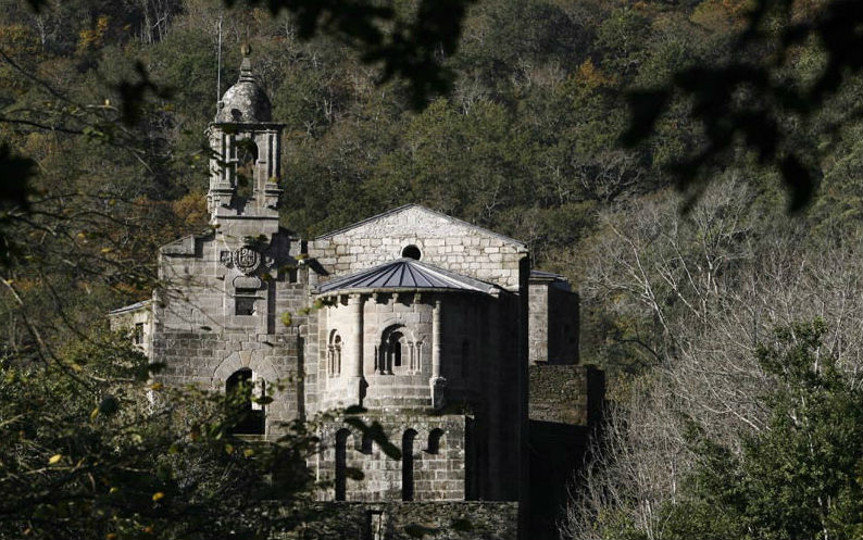 Mosteiro de Caaveiro, un dos lugares de visita obrigada nas Fragas do Eume. Imaxe: turismo.gal.