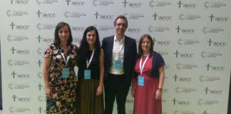 Na imaxe: María de la Fuente , Laura Muinelo, Miguel Abal e Clotilde Costa, no acto de entrega. Foto: Oncomet.