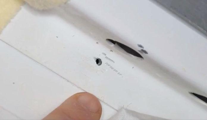 Imaxe do burato na ISS publicada pola NASA.