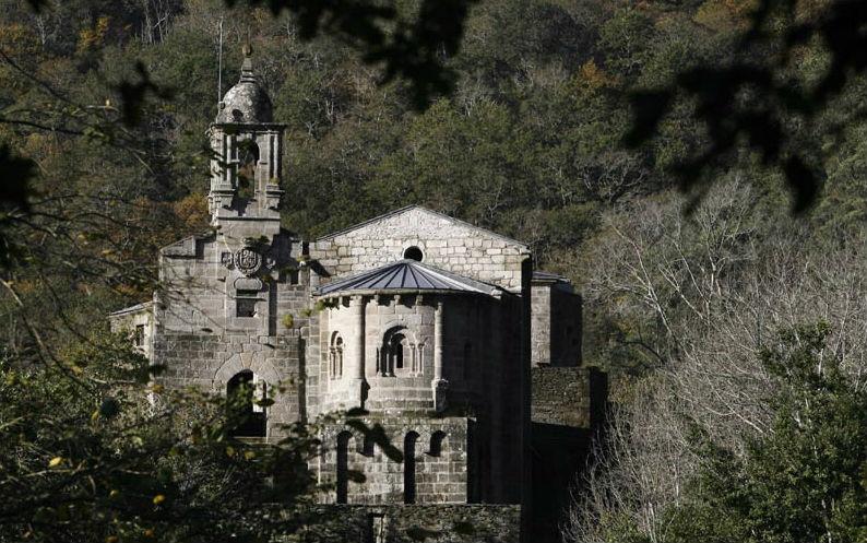 Monasterio de Caaveiro, uno de los lugares de visita obligada en las Fragas do Eume. Imagen: turismo. gal.