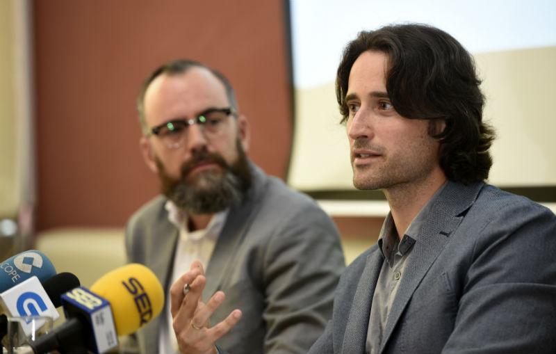 Fernando Jiménez (esquerda), xerente, e Luis Pérez Freire, director xeral de Gradiant, fan balance no 10º aniversario de Gradiant.