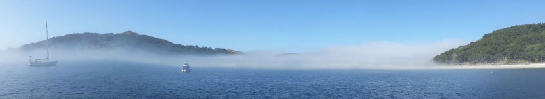 A néboa atravesa as Illas Cíes.