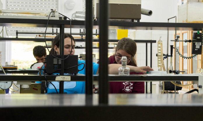O Instituto Galego de Física de Altas Enerxías anima a divulgar as súas liñas de investigación. Foto: USC.