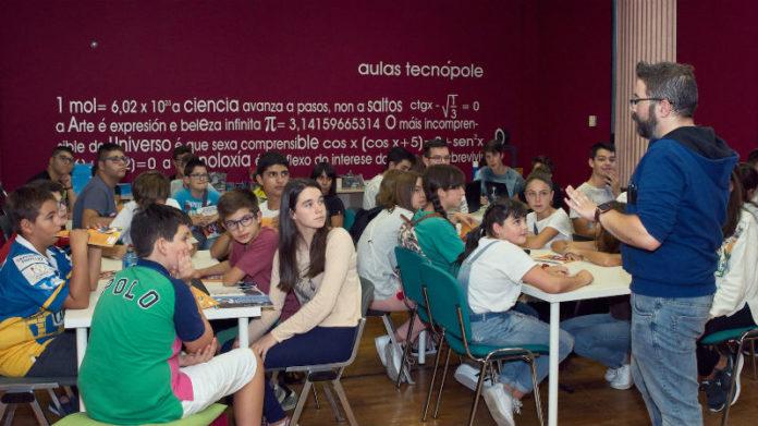 Presentación da iniciativa aos alumnos das aulas Tecnópole.