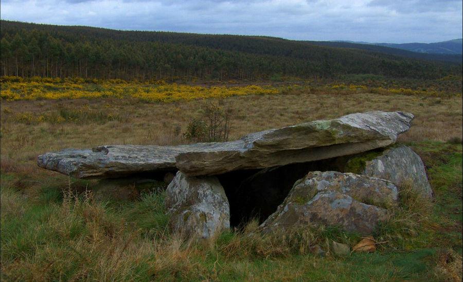 Arca da Piosa, en Zas, un dos dolmens incluídos no Parque do Megalitismo da Costa da Morte. Foto: Javier Pais / CC BY 2.0.