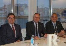 Julio Abalde, Alfredo Ramos e Manuel Reigosa, na presentación da Cátedra R. Foto: Duvi.