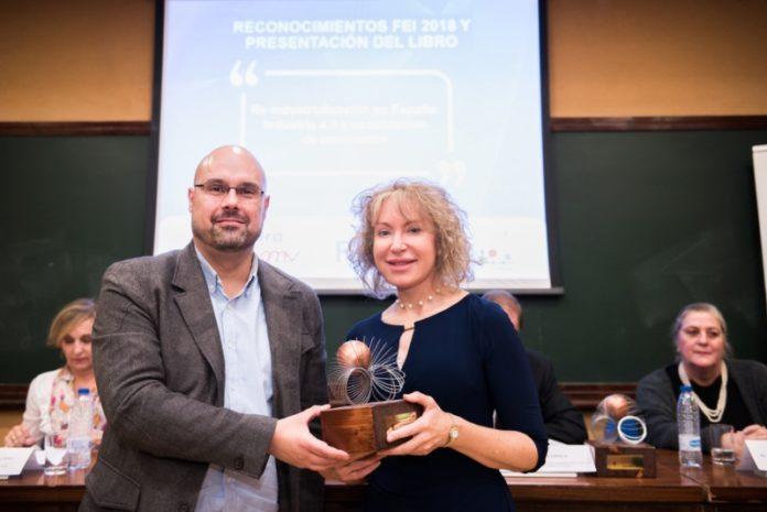 Mabel Loza recibe o premio Investigadora Innovadora 2018. Fonte: USC.