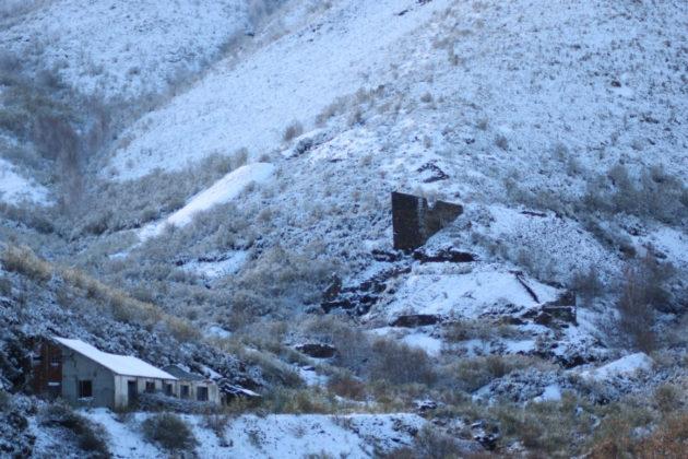 Vista das minas baixo a neve. Imaxe cedida por Carlos Tejerizo.