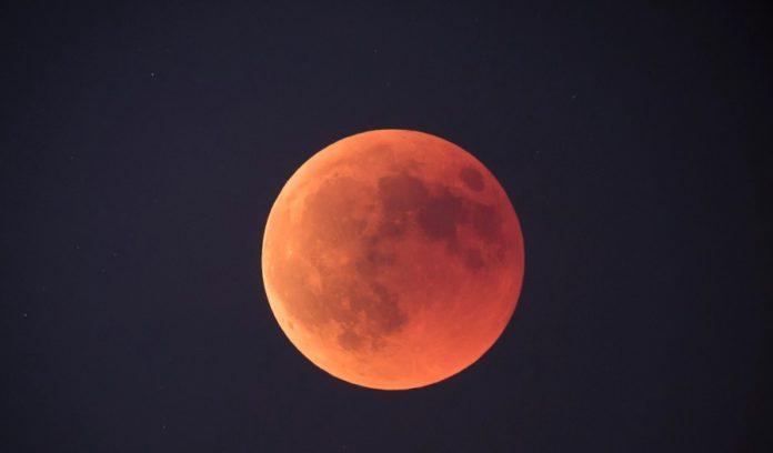 Imaxe da eclipse de Lúa de xullo de 2018. Fonte: Ángel D. R. Arós / Ceos Galegos.
