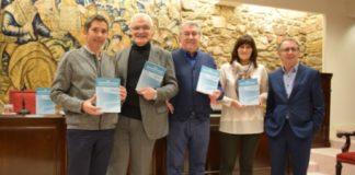 Pola esquerda, Marcelino Maneiro, Víctor F. Freixanes, Manuel Bermejo, Ana María González Noya e Manuel González. Fonte: RAG.