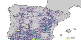 Áreas sen estradas a menos dun kilómetro na Península. Galicia vese como unha xungla de asfalto. Mapa elaborado por Dominic Royé.