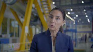A compostelá Mar Capeáns, no vídeo co que o CERN anuncia a presentación do informe para o Futuro Colisionador Circular.