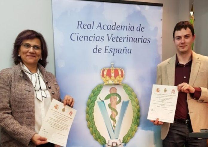 Cristina Castillo e Gonzalo López, cos seus recoñecementos. Foto: USC.