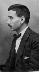 Tomás batuecas, en 1921, durante a realización da súa tese de doutoramento en xenebra. fonte: ragc.