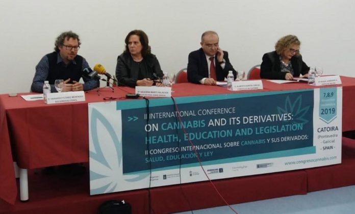 Gerardo Flórez, Azucena Martín, Alberto García e Raquel Zubizarreta, na presentación do congreso que terá lugar en Catoira. Foto: Duvi.