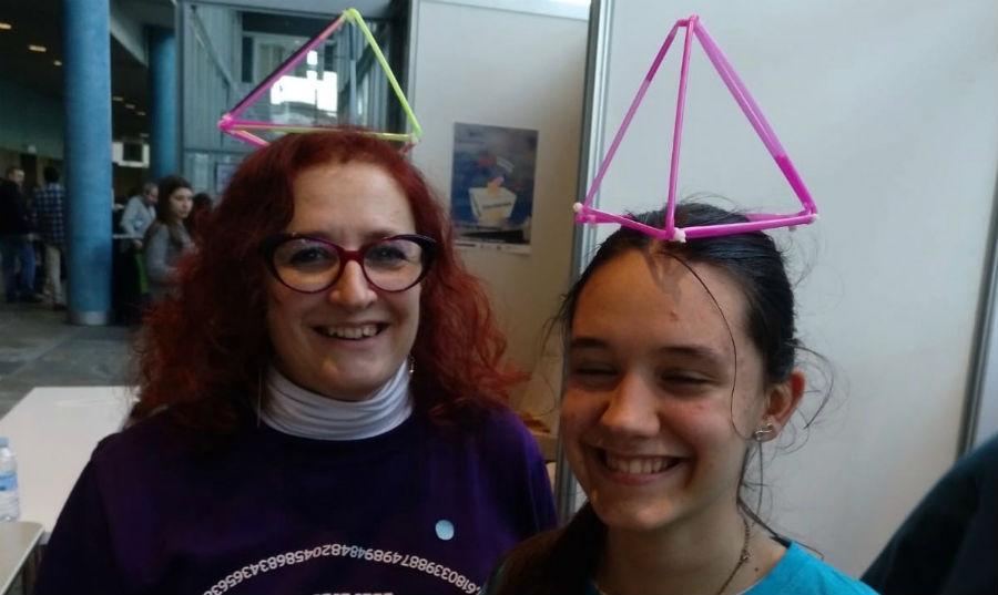 Elena, con María Rodríguez, alumna do programa Estalmat.