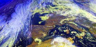 Galicia atópase xusto no límite da influencia do anticiclón sobre Europa e a borrasca Julia no Atlántico. Fonte: MeteoGalicia.