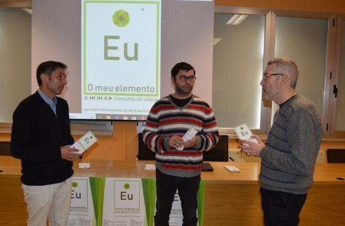 De esquerda a dereita, Marcelino Maneiro, Francisco Fraga e Xusto Rodríguez, na presentación do concurso 'O meu elemento. Fonte: USC.
