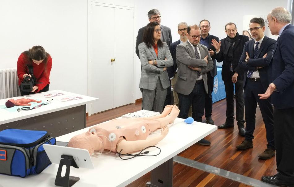 Presentación do novo equipamento da Área de Simulación Médica. Foto: USC.