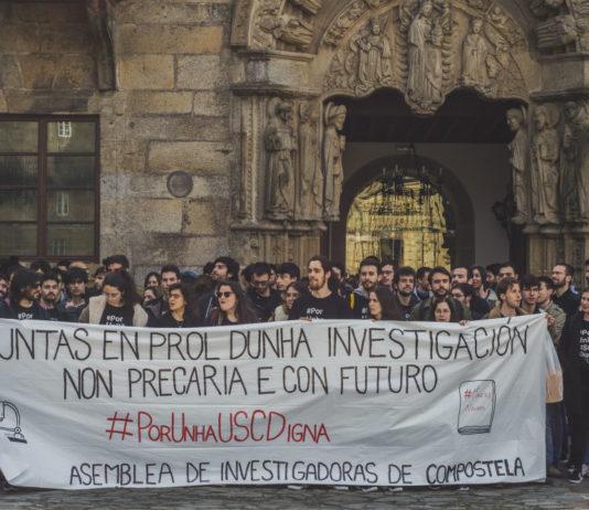 Protesta contra a precariedade da AIC este xoves diante do reitorado da USC. Fonte: Asemblea de Investigadoras de Compostela.
