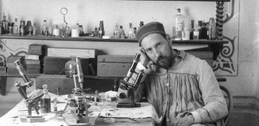 Ramón y Cajal, nun retrato dos anos 80 do século XIX.