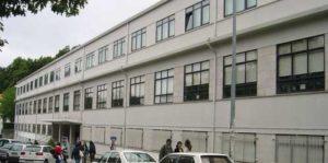 O edificio principal de Farmacia, antes das obras. Foto: USC.